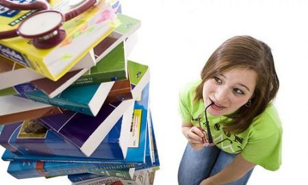 Nên chọn thi TOEFL, TOEIC, Cambridge hay IELTS?