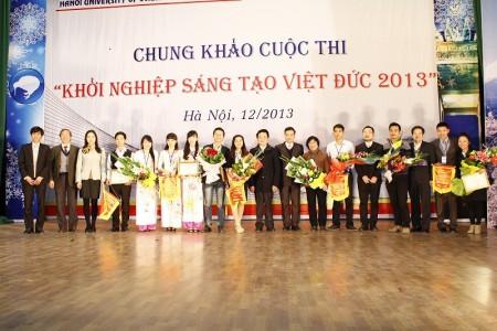 Chung khao cuoc thi nam 2013